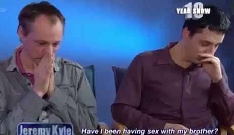TV Após anos de união, namorados descobrem que são irmãos