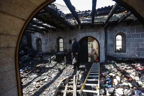 Recientemente un cementerio cristiano situado en la localidad de Kufr Birim, también al norte del país, fue asaltado y varias de sus tumbas destrozadas en el séptimo incidente de este tipo registrado desde 2006, apuntó entonces el portavoz de la Iglesia Católica, Wadie Abunasar.