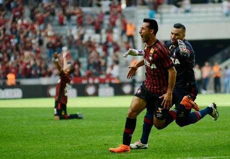 Christián Vilches marcou seu primeiro gol com a camisa rubro-negra