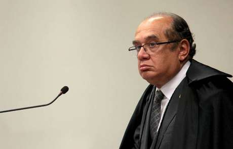 Para Gilmar Mendes, o porte de entorpecentes não pode receber tratamento criminal, por ofender a vida privada dos cidadãos.