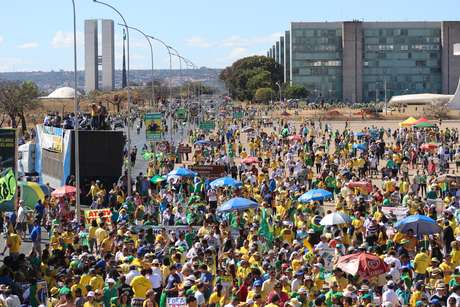 Protesto contra a presidente Dilma e o governo do PT organizado pelos movimentos Brasil Livre, Vem Pra Rua e Revoltados ON LINE, neste domingo (16)
