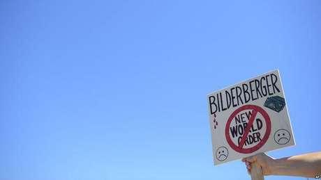 Alguns associam os Illuminati com o grupo Bilderberg