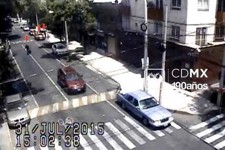 Captura de imagen del video de la huida de  los sospechosos del multihomicidio.