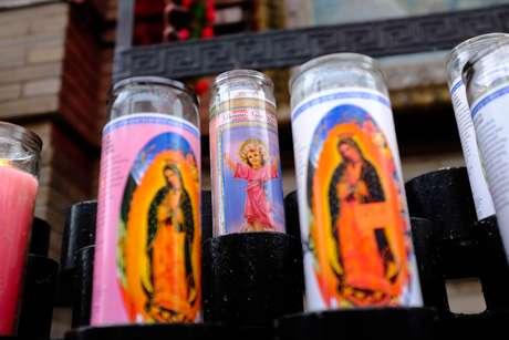 1.- Velas de la virgen de Guadalupe en la iglesia de San Jerome en Nueva York.
