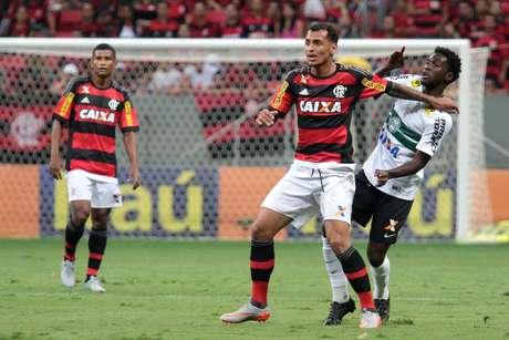 Com resultado, Flamengo perdeu o quarto lugar para o São Paulo