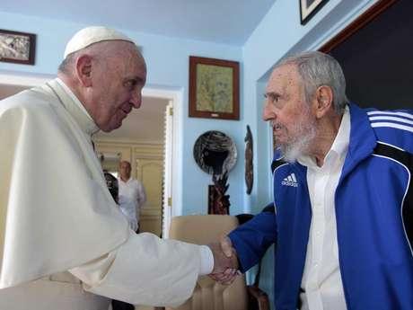 La reunión, de 30 a 40 minutos, tuvo lugar en un ambiente muy familiar e informal en presencia de la esposa, los hijos y los nietos de Castro.