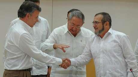 As negociações com as Farc foram intermediadas pelo presidente de Cuba, Raúl Castro