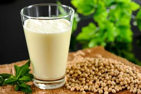 Soja pode proteger da osteoporose mulheres na menopausa