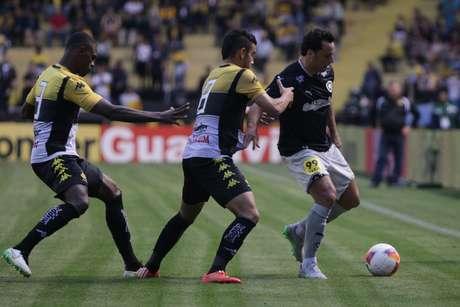 Botafogo garantiria vaga na Série A em 2016 com vitória em Criciúma