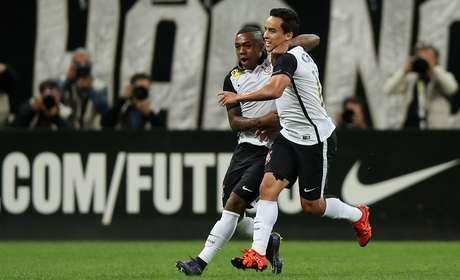 Corinthians torce contra o Atlético-MG neste domingo para ser campeão brasileiro