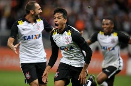 Talismã Lucca fez o gol da vitória do Corinthians aos 42min do segundo tempo