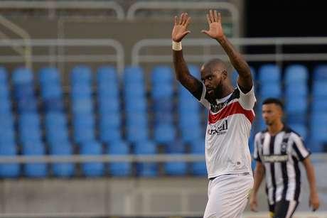 Veterano Grafite deixou a sua marca contra o Botafogo