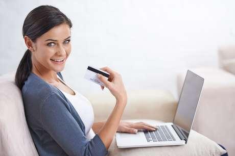 Verifique se a loja online é de confiança e pesquise preços.