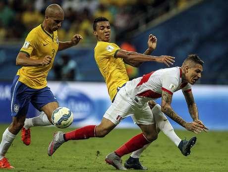 Em má fase no Flamengo, Guerrero não conseguiu balançar as redes do Brasil