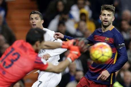 Goleiro Bravo fez boas defesas e segurou o Real Madrid