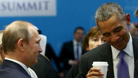"""Putin conversando com Obama na reunião do G20 na Turquia ─ há uma """"coalizão"""" anti-EI por vir?"""