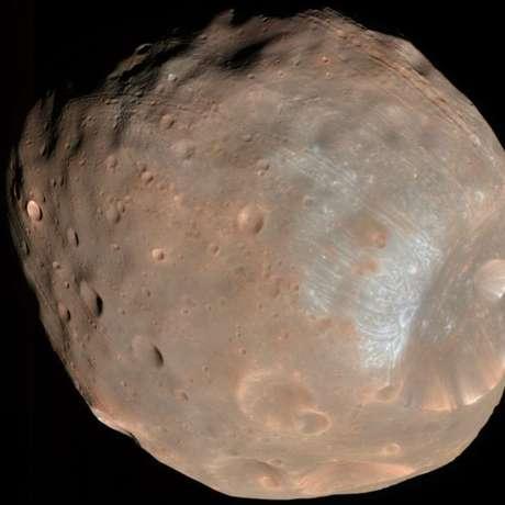 Phobos é um acumulado de de escombros que ficam unidos devido a uma capa externa de material mais sólido