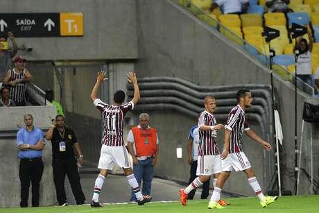 Cícero marcou, de pênalti, o gol de empate do Fluminense