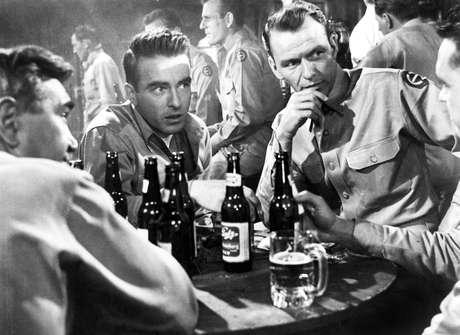 Sinatra, en la película 'From Here to Eternity'