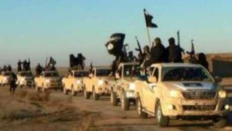Em outubro, o Departamento do Tesouro dos EUA pediu explicações à montadora japonesa Toyota após vários de seus veículos aparecerem em poder de militantes do Estado Islâmico