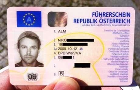 Identificação de um austríaco adepto da Igreja do Monstro de Espaguete Voador