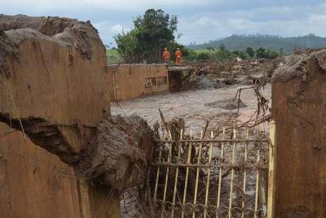 A realocação das famílias até o dia 24 de dezembro é uma das exigências feitas pelo Ministério Público à mineradora. Das famílias que estavam em hotéis do município, 94% já foram para residências temporárias alugadas pela Samarco. Outras famílias ainda permanecem em hotéis