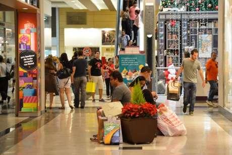 Segundo a Associação Brasileira de Lojistas de Shopping, é o maior recuo da última década