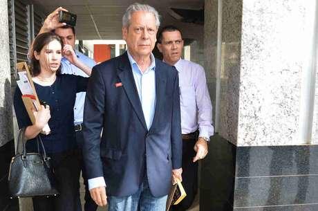 José Dirceu teria discutido com correligionários sobre eventuais indicações dos ministérios do segundo mandato de Dilma