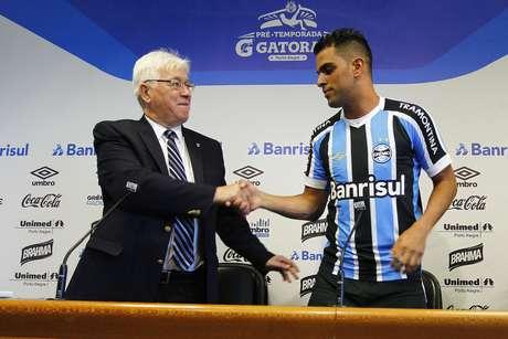 Maicon é reapresentado pelo Grêmio na tarde desta quinta (7)
