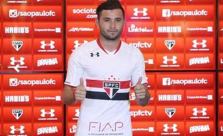 Mena deixou o Cruzeiro para jogar pelo São Paulo nesta temporada