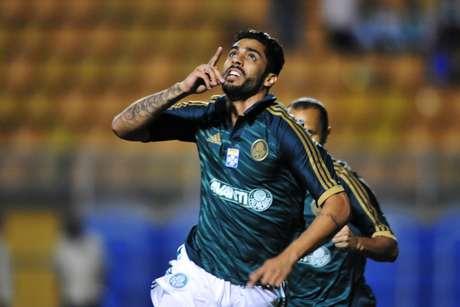 Zagueiro Vilson defendeu o Palmeiras na temporada 2013