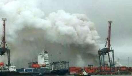 Idosa morre após inalar fumaça tóxica no Guarujá