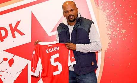 Edson Silva chegou ao Estrela Vermelha, da Sérvia