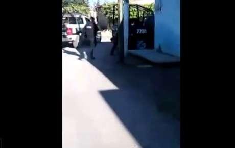 Actitud de seis policías en México te dejará sin palabras — YouTube