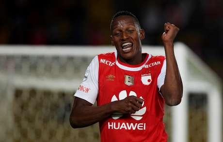 Yerry Mina marcou dois na classificação do Santa Fe para a fase de grupos da Libertadores
