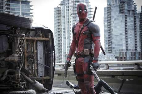 Ryan Reynolds se reconcilia con los superhéroes en la atípica