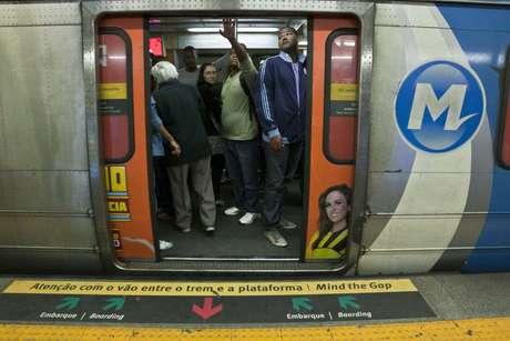 Metrô funcionará 24 horas durante o Carnaval no Rio