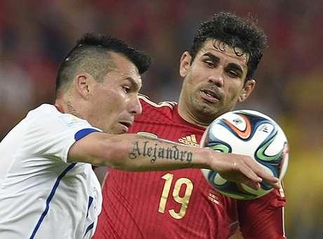 Atacante brasileiro se disse seguro da decisão de defender a Espanha Foto: AFP
