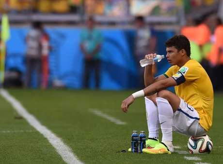 Capitão, Thiago Silva se isolou antes das cobranças de pênalti e foi criticado por Careca por postura em entrevista Foto: Vanderlei Almeida / AFP