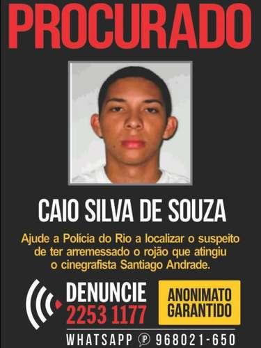 11 de fevereiro - O Disque-Denúncia lançou um cartaz com a foto do suspeito de jogar um rojão contra o cinegrafista da Band