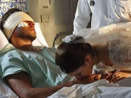 Antes de ir para a igreja, a noiva decide visitar o amigo Foto: TV Globo / Divulgação