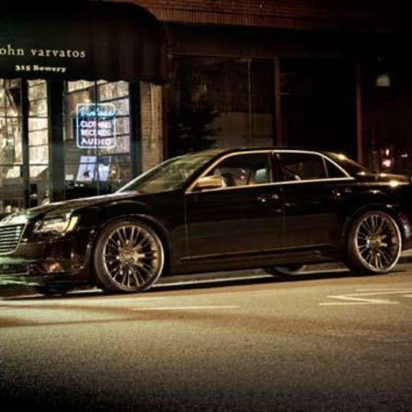 Chrysler 300C John Varvatos Luxury Edition