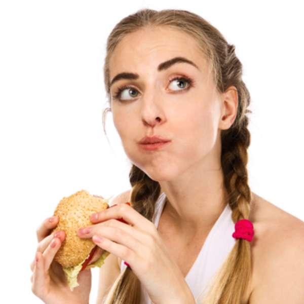 alimenti da evitare per il gonfiore addominale