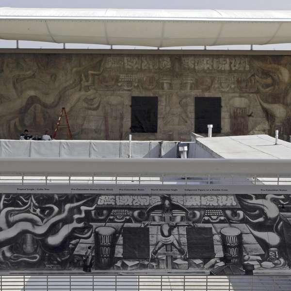 Develan mural restaurado de siqueiros en l a for David alfaro siqueiros mural tropical america