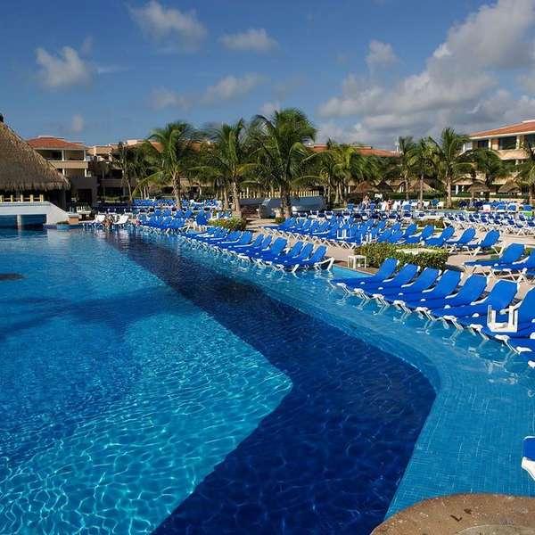Las espectaculares piscinas en los hoteles de canc n for Piscinas espectaculares