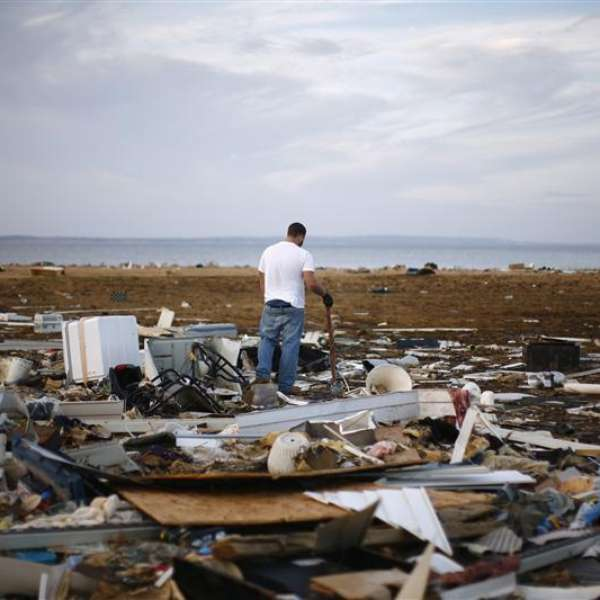 hurricane sandy effect ny economy Property losses and businesses shutdown from storm will be drag on economy but impact will be balanced by rebuilding efforts cars damaged by the flood caused by hurricane sandy in new york city's financial district.