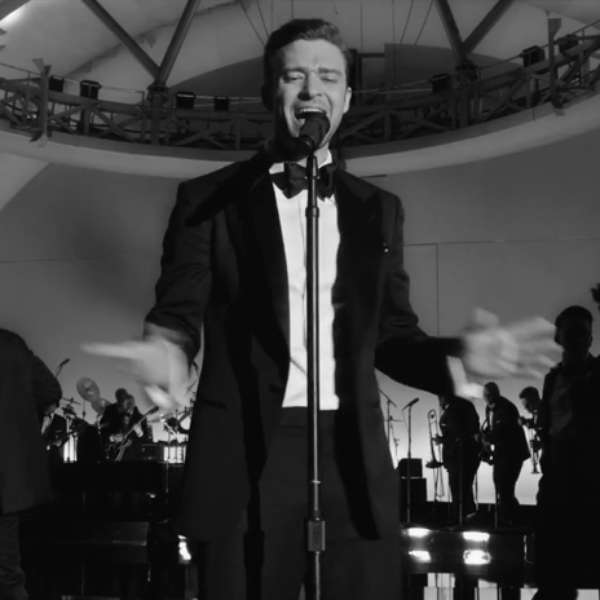 justin timberlake lives the high in suit tie