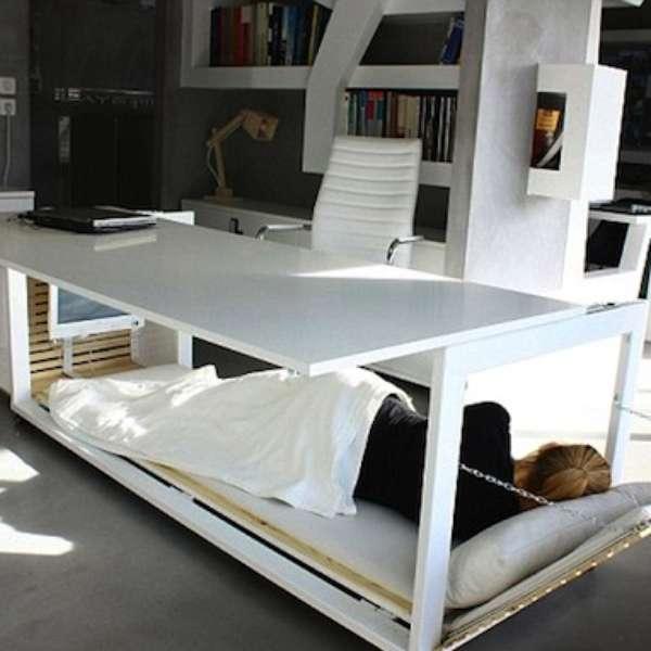 Escritorio que se hace cama el sue o dorado en la oficina for Cama oficina