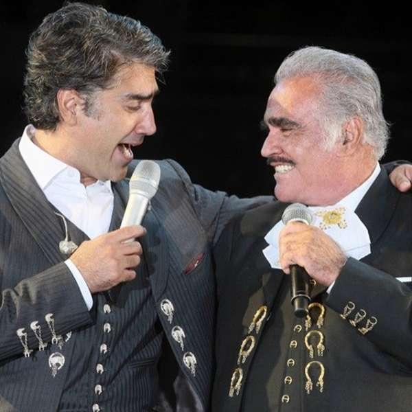 Alejandro fern ndez los mejores duetos de su carrera for Alejandro fernandez en el jardin mp3