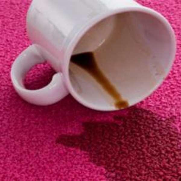 C mo eliminar manchas rebeldes de tu alfombra - Como limpiar una alfombra en casa ...